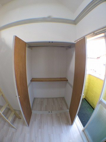 スターホームズ山手 202号室の収納