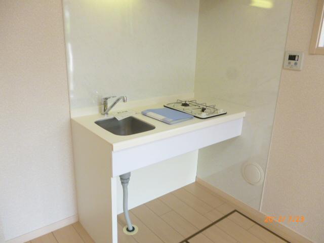 ランドマークヴュー横浜 101号室のキッチン