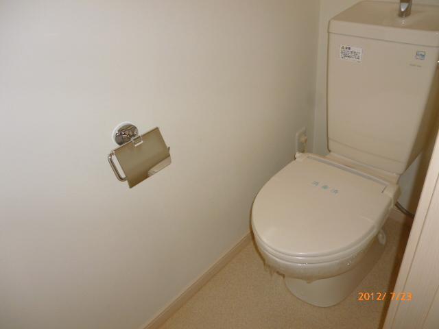 ランドマークヴュー横浜 101号室のトイレ