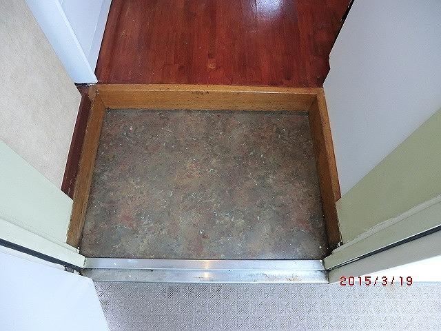インターフェイス壱番館 301号室の玄関