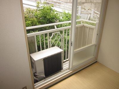 コーポ草風A棟 201号室のバルコニー