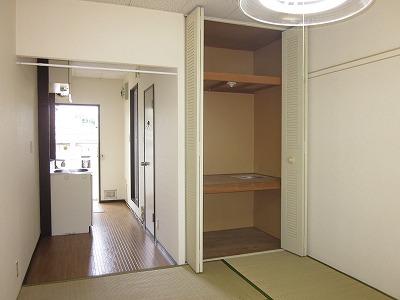 コーポ草風A棟 201号室のベッドルーム