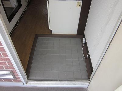 コーポ草風A棟 201号室の玄関