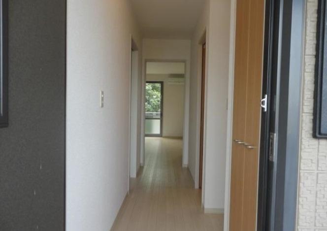 グランシード中丸NO8 206号室の玄関