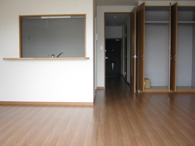 アンベリール・K・湘南 103号室のリビング