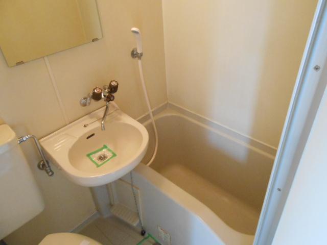 メゾン・ド・コンフォール 213号室の風呂