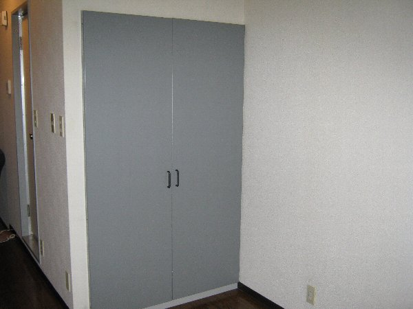 メゾン・ド・コンフォール 413号室の収納
