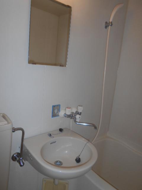 音楽の館LIETO 205号室の洗面所