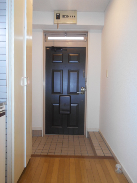 音楽の館LIETO 205号室の玄関
