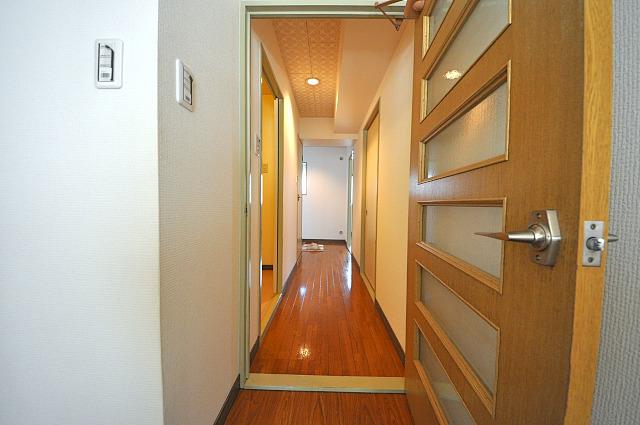 ファミール小幡 107号室の玄関
