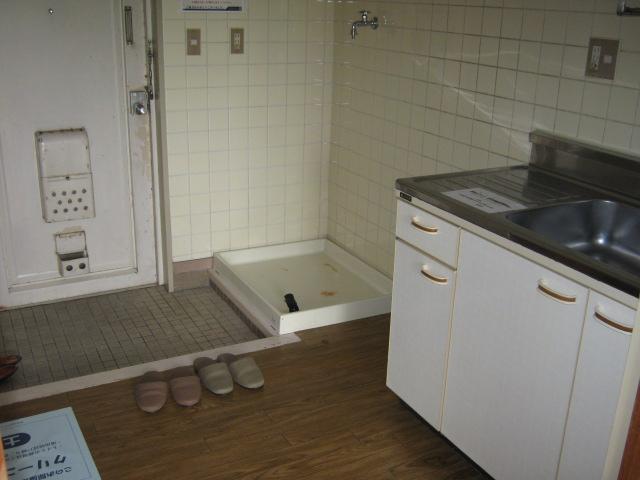 リバーサイドハイツ 103号室の玄関