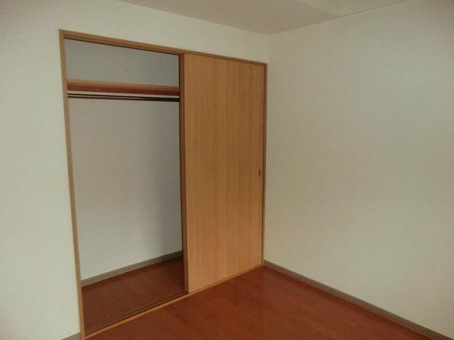 レージュ至来 205号室の収納