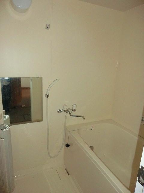 レージュ至来 205号室の風呂