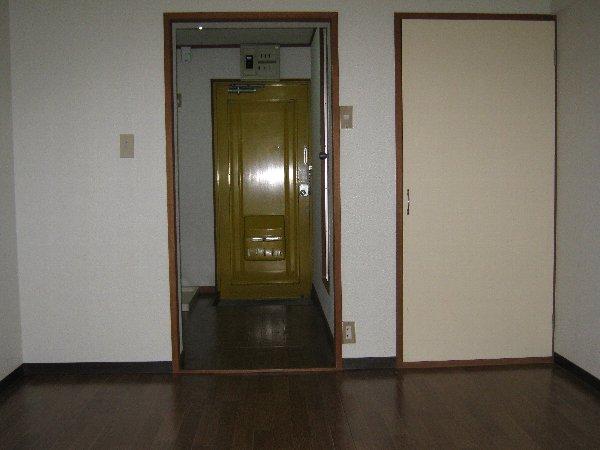 神作シティー 2B号室のリビング