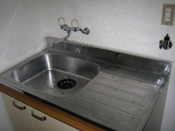 神作シティー 2B号室のキッチン