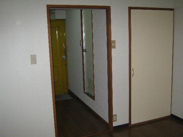 神作シティー 2B号室のその他