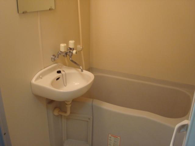 ハイツ深田池 102号室の風呂