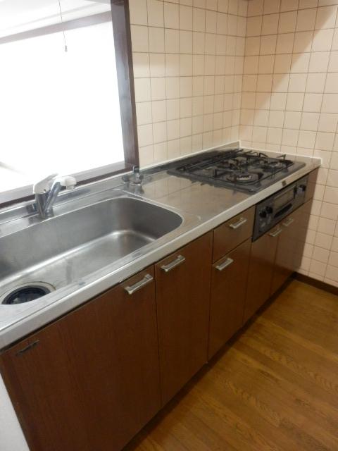 ツインズわらび 305号室のキッチン