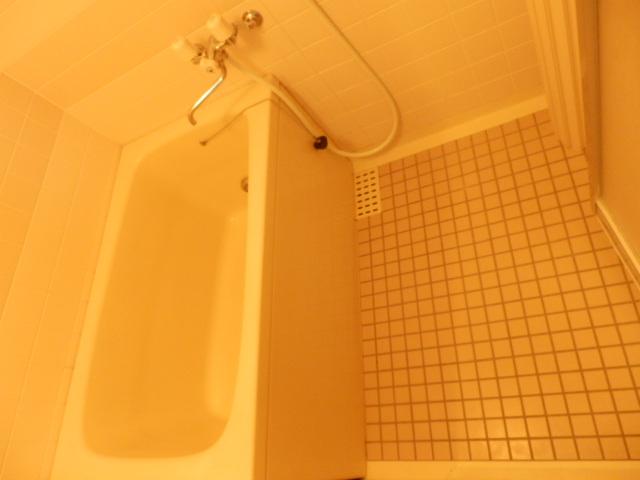 ツインズわらび 305号室の風呂