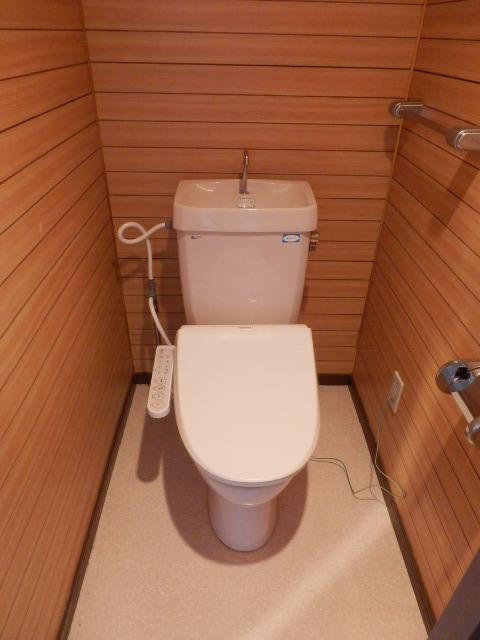 ツインズわらび 305号室のトイレ
