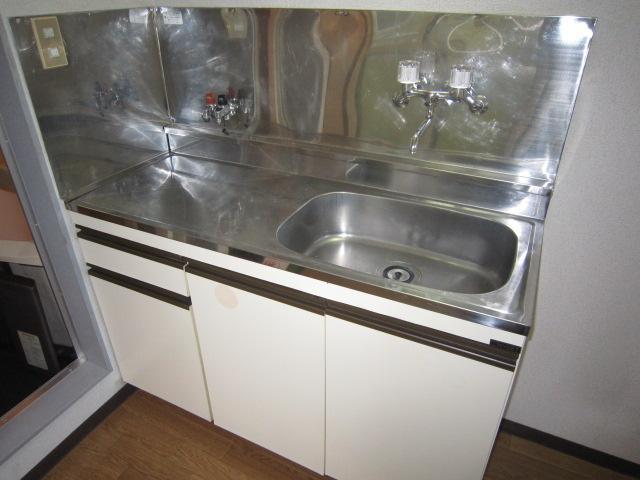キャピタル北町 205号室のキッチン