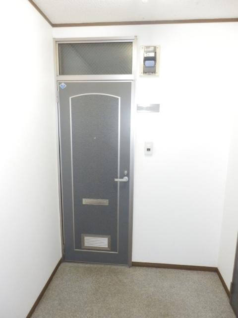メイヨーヒルズ 103号室の玄関