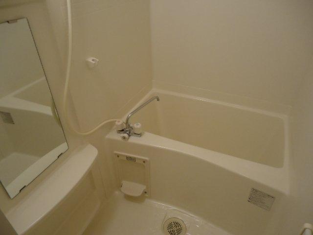 ヴァンベール 107号室の風呂
