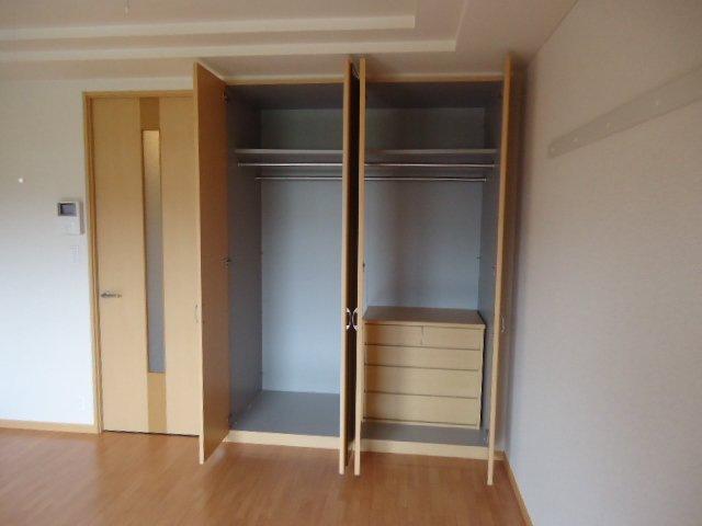 ヴァンベール 107号室の収納