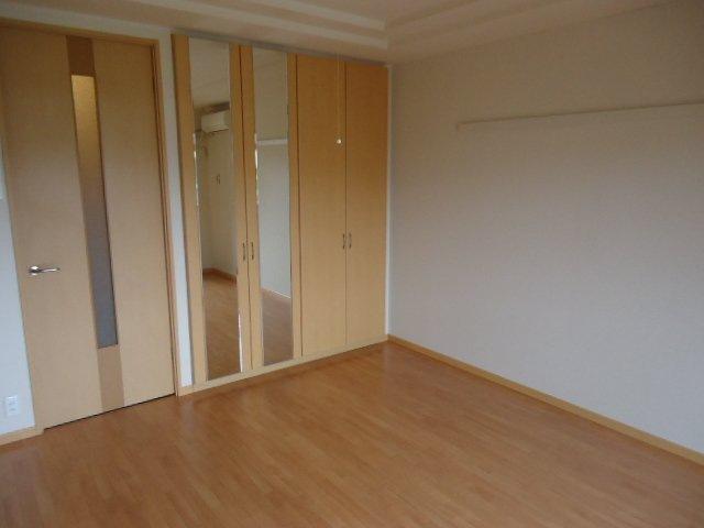 ヴァンベール 107号室のベッドルーム