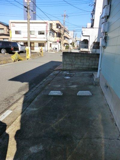 コルチナリア都賀 202号室の駐車場