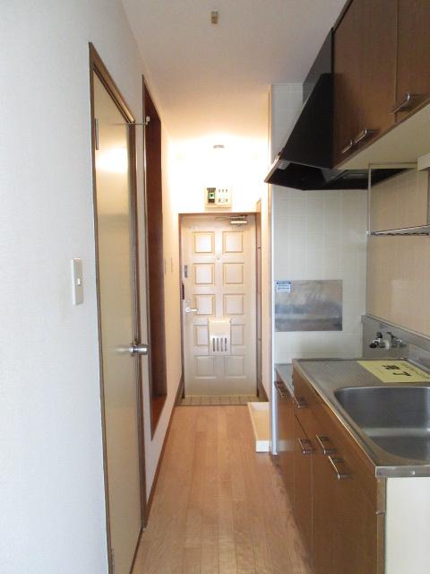 ベルガーネットA・B B101号室のキッチン