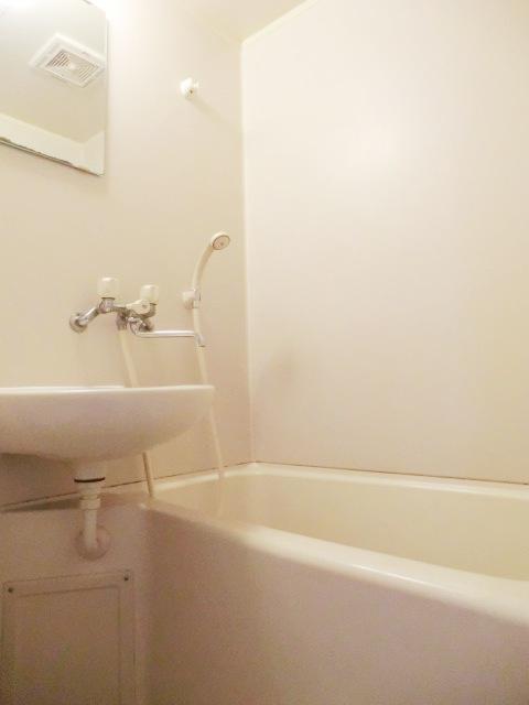 小池ハイツ 203号室の風呂