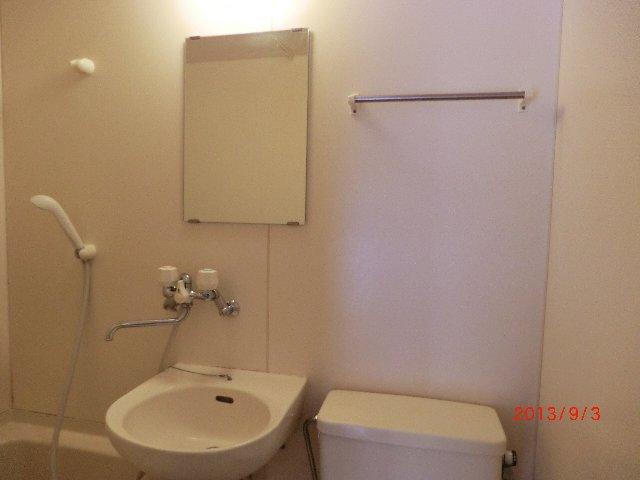 グランエスポアール 103号室の洗面所