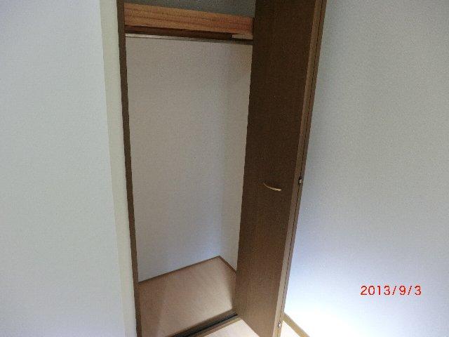 グランエスポアール 103号室の収納