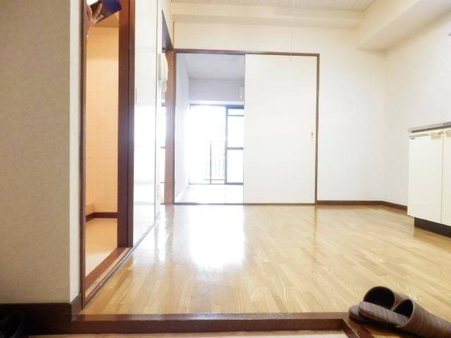 グランエスポアール 503号室の玄関