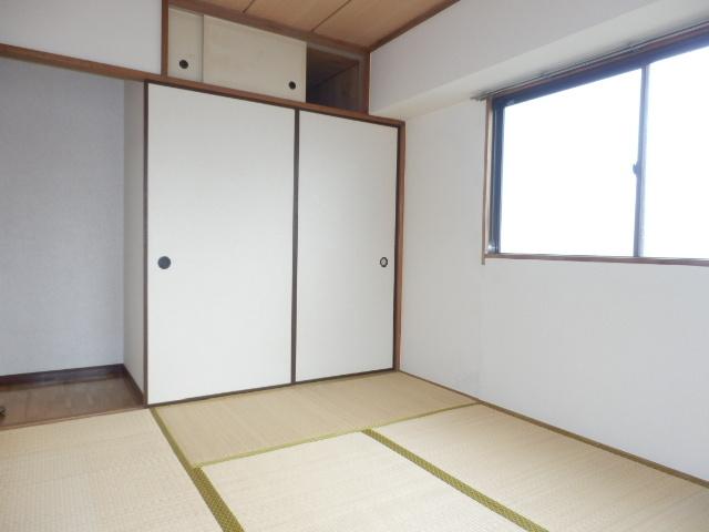 グランエスポアール 503号室の居室