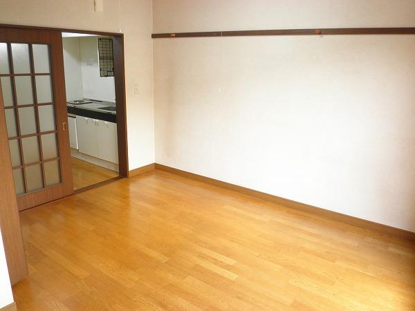 小野ハイツ 201号室の居室