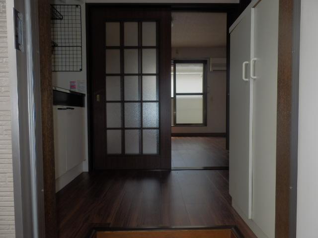 小野ハイツ 202号室の玄関