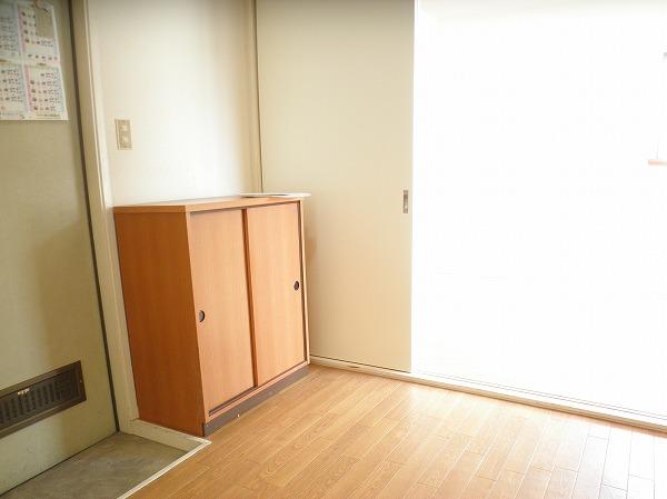 プレイシオン 201号室の玄関