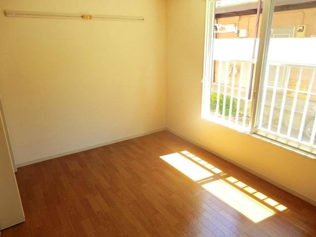 パークサイドハウスA 106号室のリビング