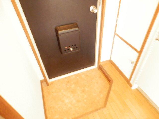 ハイム・ヤマ 203号室の玄関