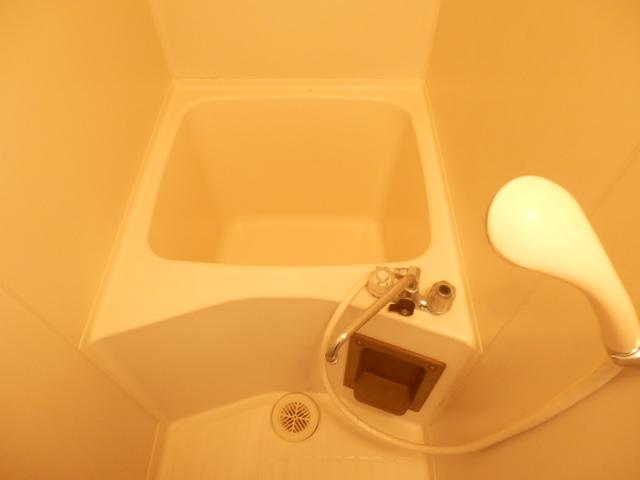 石山荘 E号室の風呂