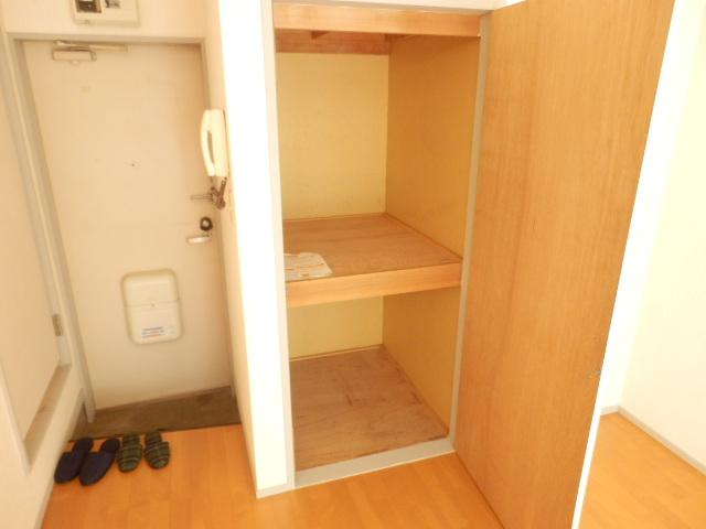 石山荘 E号室の収納
