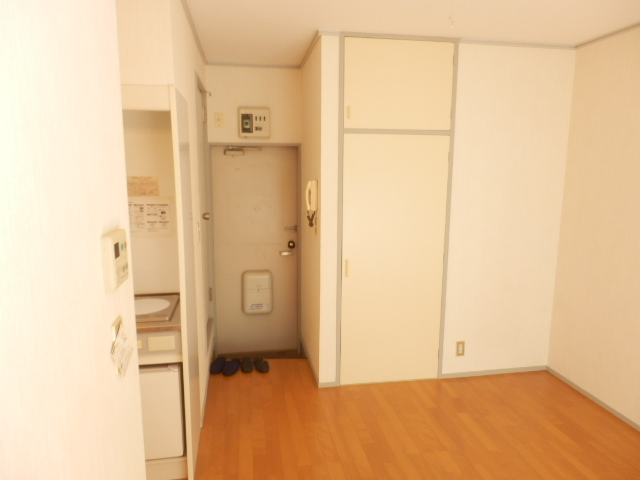 石山荘 E号室の居室