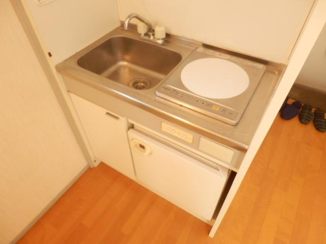 石山荘 E号室のキッチン