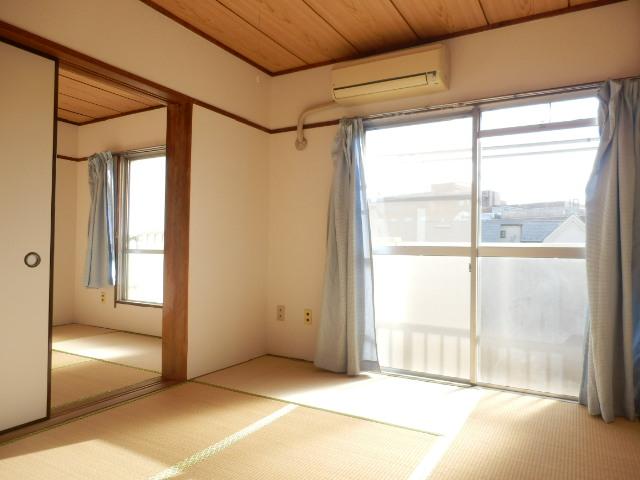 大野ハイツ 302号室の居室