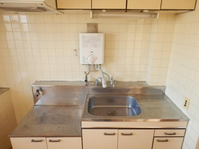 大野ハイツ 302号室のキッチン