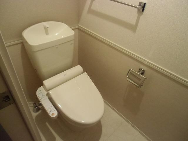 ディアレスト 102号室のトイレ