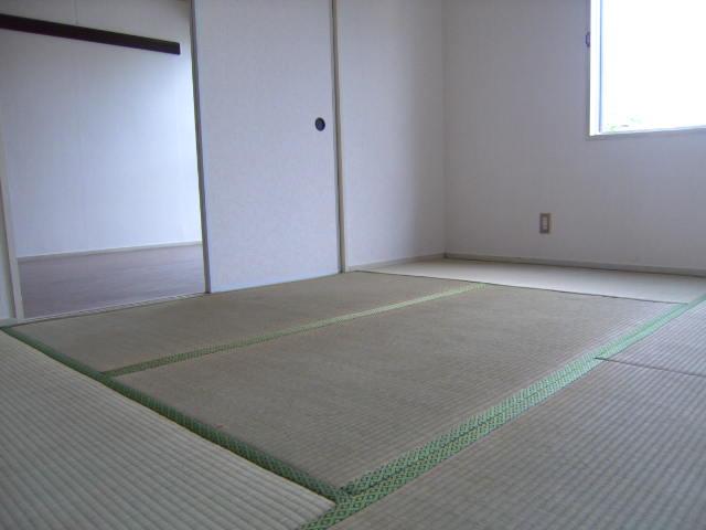 アカツキマリオン 101号室のリビング