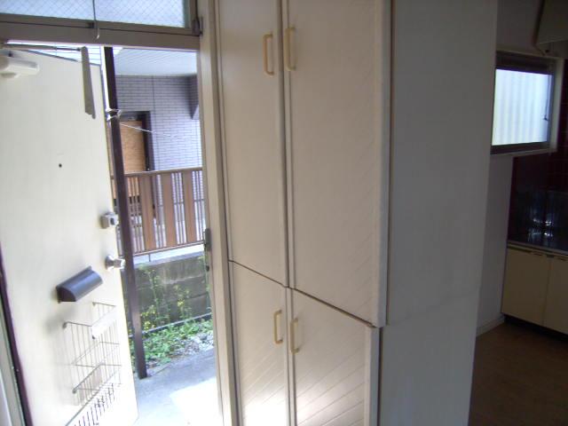 アカツキマリオン 101号室の玄関